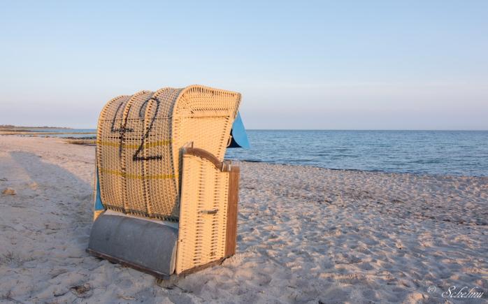 fehmarn-strandkorb-strand-meer-ostsee-sudstrand