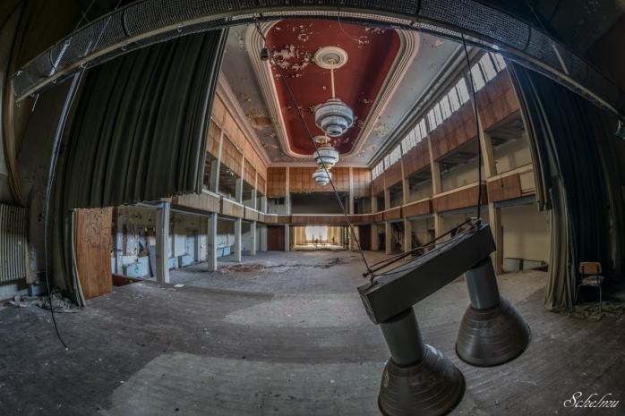 hotel-furstenhof-eisenach-ball-saal-lost-place-urbex