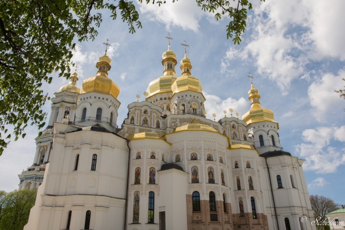 kiew-kyjiw-hohlenkloster-ukraine-gold