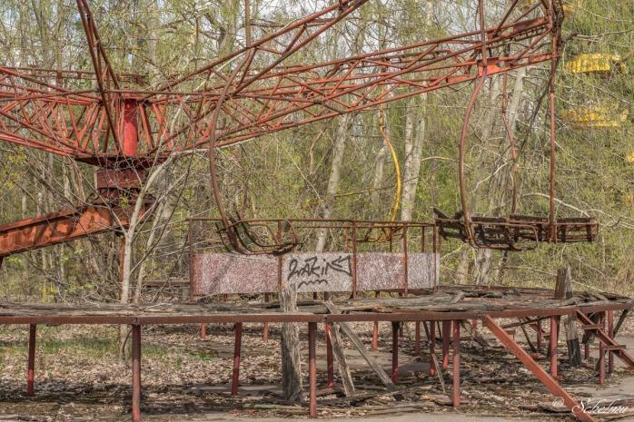pripyat-karussel-tschernobyl-chernobyl