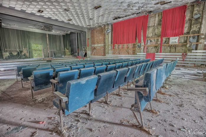 lost place urbex kaserne kino