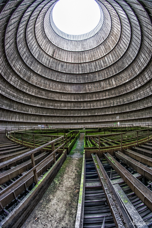 verlassener kühlturm urbex lost place